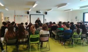 Un moment de la xerrada, amb el Jaume Copons de fons.